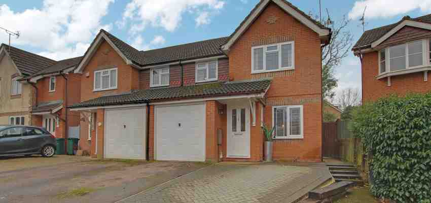 For Sale : Matthews Drive, Maidenbower, Crawley
